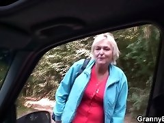 Old grandma gets nailed in the car
