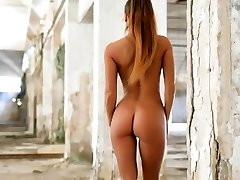 Glamour Model Isabelle Disrobes In The Shed