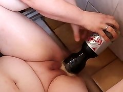 Mentos and Coke in labia