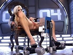 Famous breezy Cameron Dee enjoys testing crazy fuck-fest machine