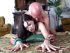 puta demuestra consolador para hombre viejo