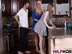 hijastras novio consigue seducir por mamá