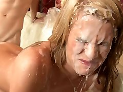 Sixsome orgia e gozada chuveiro.
