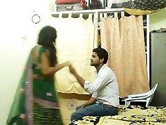 Дези жена с любовником дома жарко блять ММС