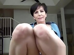Single Neighbor Needs a Favor - point of view cougar virtual sex and huge faux cumblast