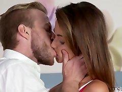 Richard & Simonne Fashion in Make Up Sex - Danejones
