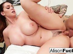 Busty Alison Tyler bekommt einen guten fick