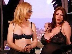 Η Νίνα Χάρτλεϊ Πουλί Σεξ Με Έναν Κούκλο