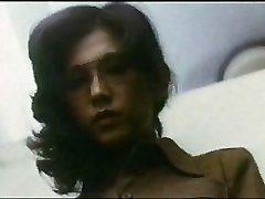 Female Teacher : Dude Hunting (1975)