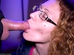 Ginger Cougar Ivy edges Hubby's manmeat until he explodes on her tongue