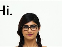 MIA KHALIFA - I Invite You To Check Out A Close-up Of My Flawless Arab Bod