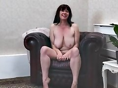first movie shoot of nude 41-year-old Janey