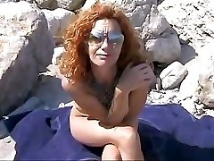 Old red-haired mother from Spain gets teamed by two hung sunbathers
