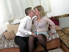 Taboo home hookup with real mature mother Mirka