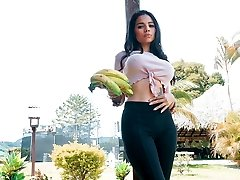 CARNE DEL MERCADO - Fantastic Latina tastes dick and gets pummeled