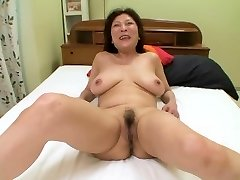 Amateur Japanese granny with saucy tits gets a big creampie finish