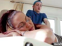 Killing hot milf Emma Arse enjoys face sitting and fucking young massagist