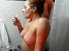 RED HEAD Cougar MAKES UP
