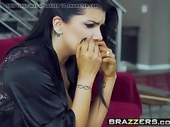 Brazzers - Real Wife Stories - The Memento gig starring Ro