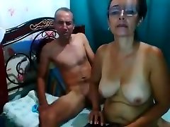 stronsexx amateur record on 06/02/15 05:00 from Chaturbate