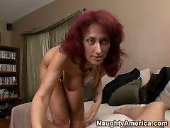 Redhair gross slut Nikki Sinn is giving tremendous blowjob