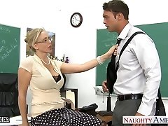 Sex tutor Julia Ann fucking