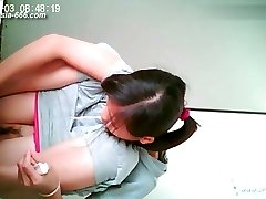 chinese damsels go to toilet.42