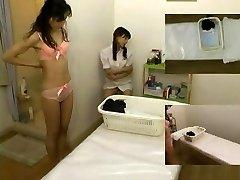 Rubdown hidden camera filmed a mega-slut giving handjob