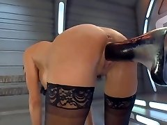 Squirting Orgasm on a Fucking Machine