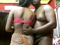 Sexy Indian mature chick plow by an assho**(CHUTI**)