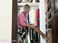 Ala nylon and high-high-heeled shoes