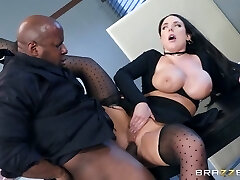 Angela White & Prince Yashua in Full Service Banking - BrazzersNetwork