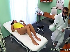 Doc helps patient to get pregnant