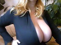 Huge boob camshow 2 (no-sound)