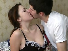 Chap plows lovely babe deeply