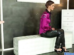 Kelly Sun in WAM action at gloryhole as she enjoys bukkake torrent