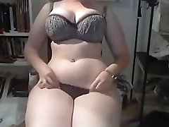 Thick latina on webcam