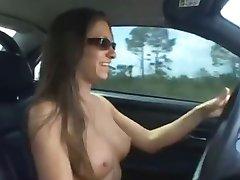 Babe masturbate in her car