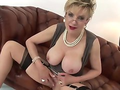 WORLD NYLONS dressed up lady wank you