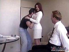 Raylene je pohledný manžel dostane svázaný a udělal se dívat na jeho žena dostat přibitý
