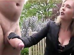 Ogromny członek otrzymuje szarpnął i sperma