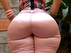 Milf Mature in taut jeans massive ass butt mom phat booty
