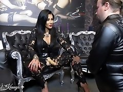 Mistress Kennya: Gullet fucking the virgin
