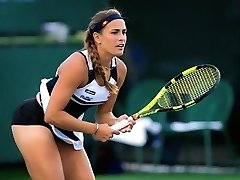 Tennis player has her panties uncovered during her matches