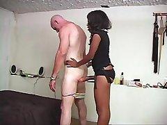 Seksi rjave oči ženska ovni dolgo dildo v človeka smrdljive zakulisni
