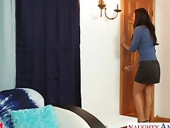 Hot mom India Summer gets pussy fucked