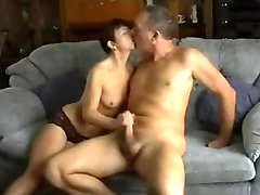 Amateur Couple Homemade Fuck !