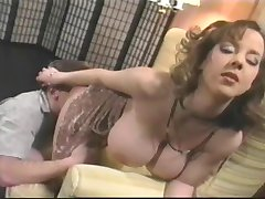 Letha Waffen - Sexy Vollbusige Babe