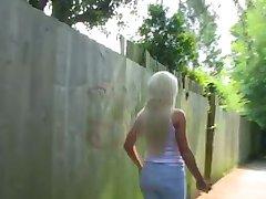 PornXN veliki joški blondinka Lexi Ryder ščije v javne