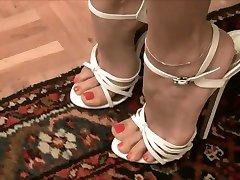 Ļoti seksīga balta, augsti papēži --- Sexys tacones blancos